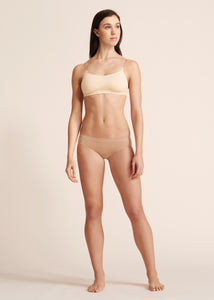 SEAMLESS LOW RISE THONG