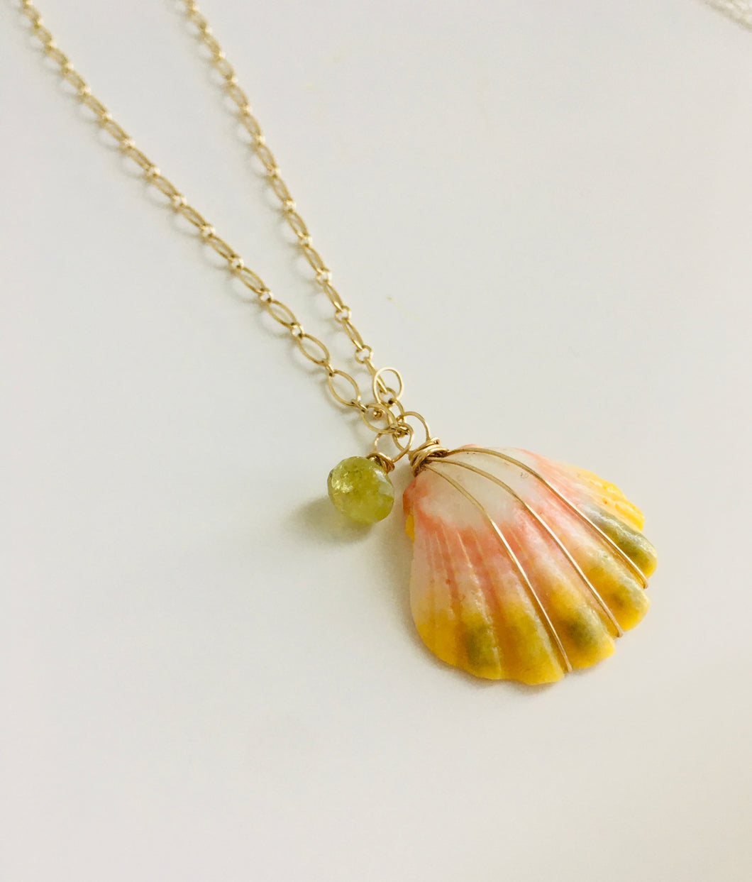 Sunrise Shell Necklace with Green Garnet 2.4 mm Oval Chain