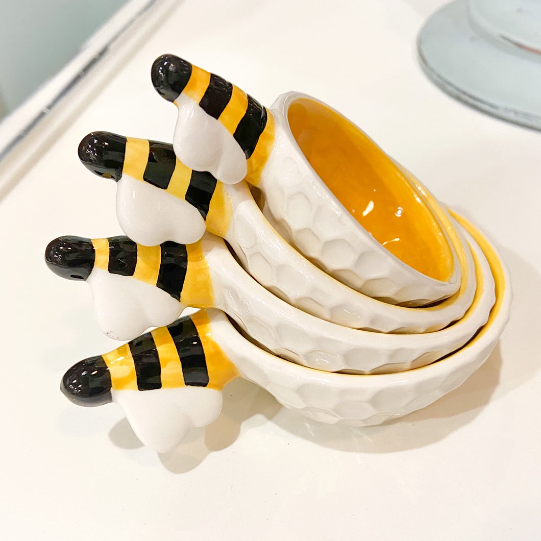 Bee  Measuring Cup Set