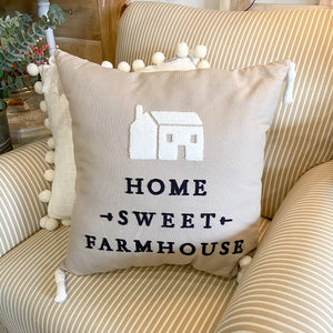 Throw Pillow Farmhouse w/ Tassel