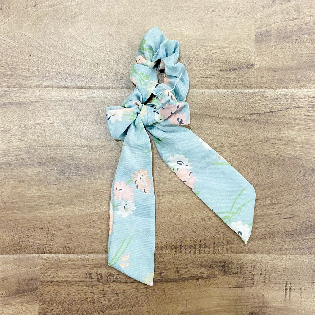 Scrunchy Bluebell Floral