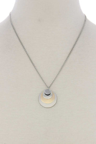 Circle linked pendant short necklace