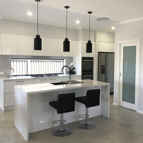 Spacing Pendant Lighting above your Kitchen Island Bench