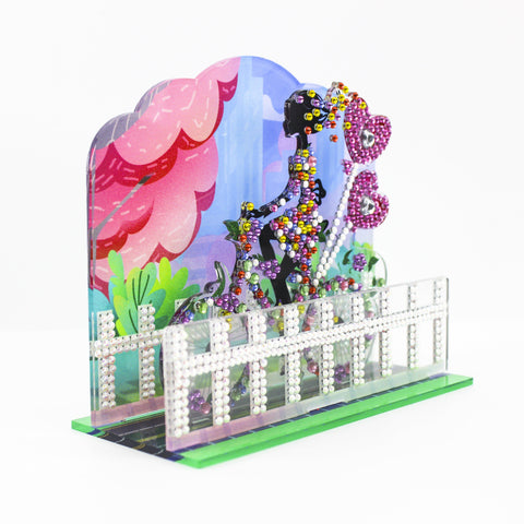 Image of Carefree Lady - 3D Dioramas