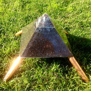 "The ""XXL Jumbo Giza Mini-Chembuster""- 11x11"" base, with 8.5"" Copper Earth Pipes 🔺"