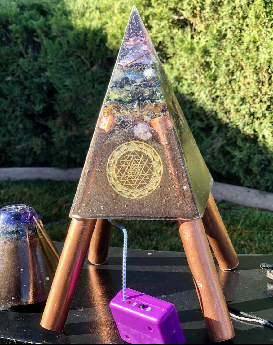 "The ""Sleek Nubian Chakra Equalizer Minichembuster"" - Pulsed Radionics Orgone Pyramid w/ Earth Pipes for grounding"