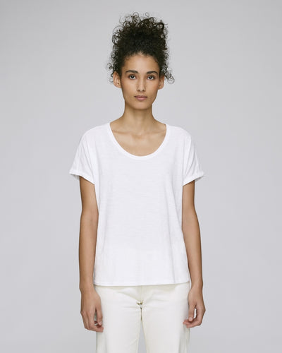 STTW062W STELLA LAZES THE WOMEN'S LOOSE T-SHIRT / WHITES