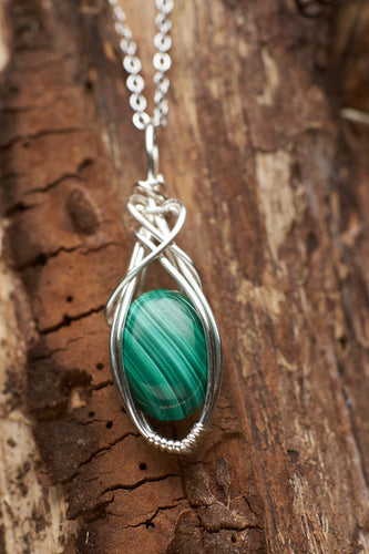 Floating Malachite Necklace in Silver
