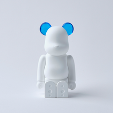Load image into Gallery viewer, bearbrick_aroma_ornament_blue-bibliothèque_blanche-ballon-eye_shut_island-0121