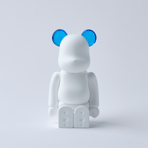 bearbrick_aroma_ornament_blue-bibliothèque_blanche-ballon-eye_shut_island-0121
