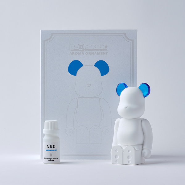 bearbrick_aroma_ornament_blue-bibliothèque_blanche-ballon-eye_shut_island-021