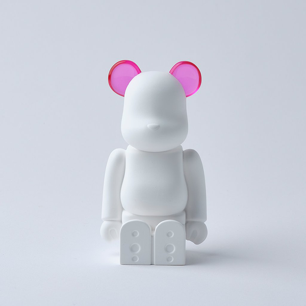 bearbrick_aroma_ornament-bibliothèque_blanche-ballon-eye_shut_island