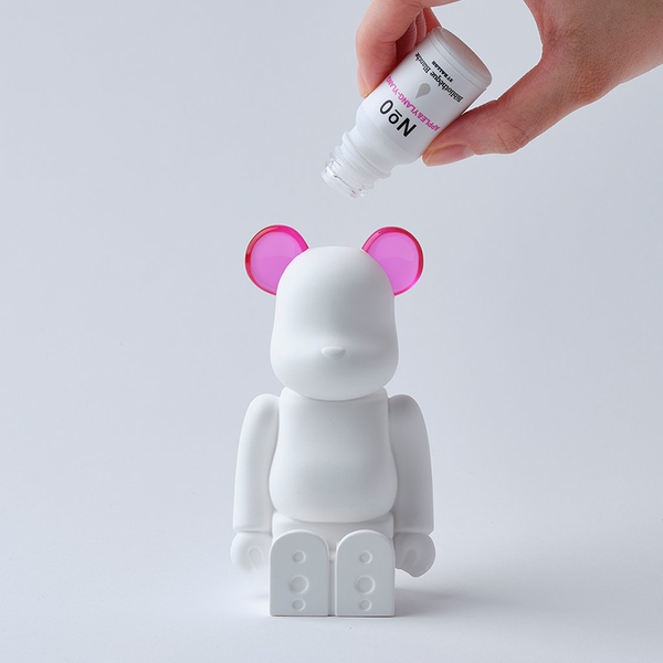 bearbrick_aroma_ornament-bibliothèque_blanche-ballon-eye_shut_island-2