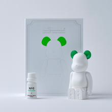 Load image into Gallery viewer, bearbrick_aroma_ornament_green-bibliothèque_blanche-ballon-eye_shut_island-01