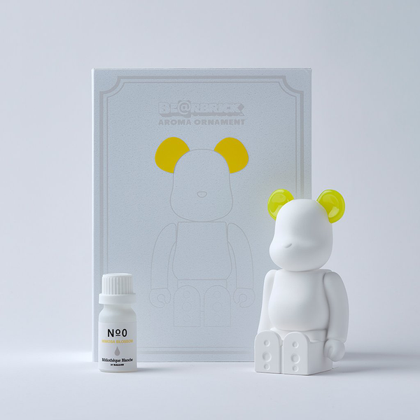 bearbrick_aroma_ornament_yellow-bibliothèque_blanche-ballon-eye_shut_island-3
