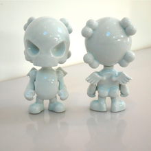 Load image into Gallery viewer, WHITE SKULL HEAD PORCELAIN - HUCK GEE / K OLIN TRIBU