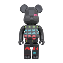 Load image into Gallery viewer, space_invader-bearbrick_400-medicom_toy-eye_shut_island-designshop_stockholm
