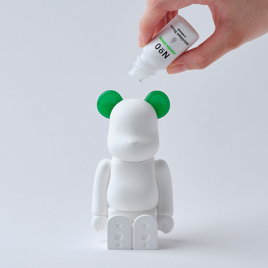 bearbrick_aroma_ornament_green-bibliothèque_blanche-ballon-eye_shut_island-02