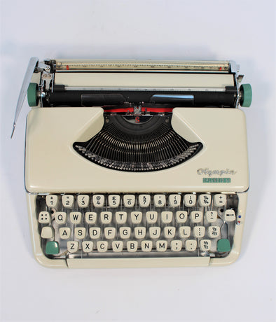 Vintage 1960s Olympia Splendid 66 Cursive Script Typewriter - Fully Working