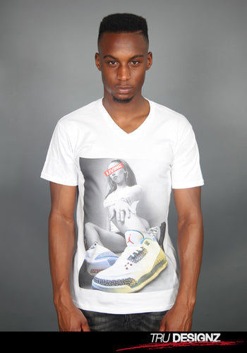 Chicks 'N' Kicks Graphic This Is Living Jordan Retro 3's Graphic Men's V-Neck T-Shirt