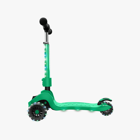 Saturn Folding Kick Scooter green