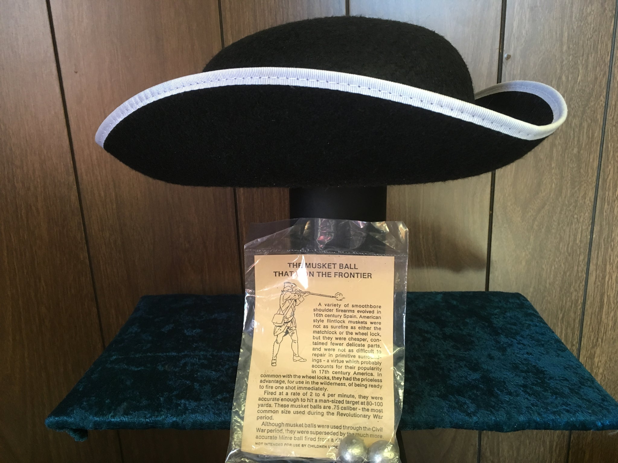 Hat - Tricorner and musket ball package