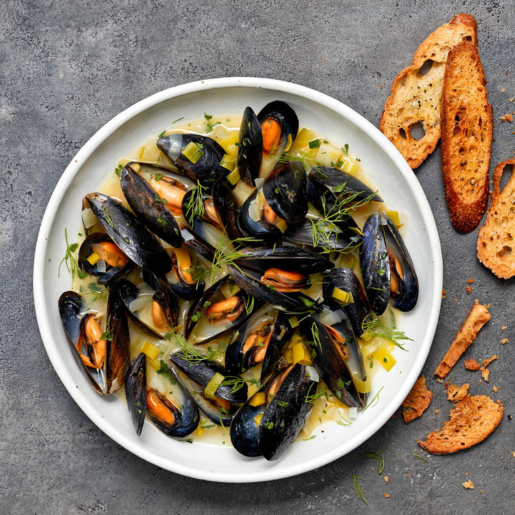 Fully Cooked Blue Mussels - Panapesca - Mussels with Leeks, Fennel and White Wine