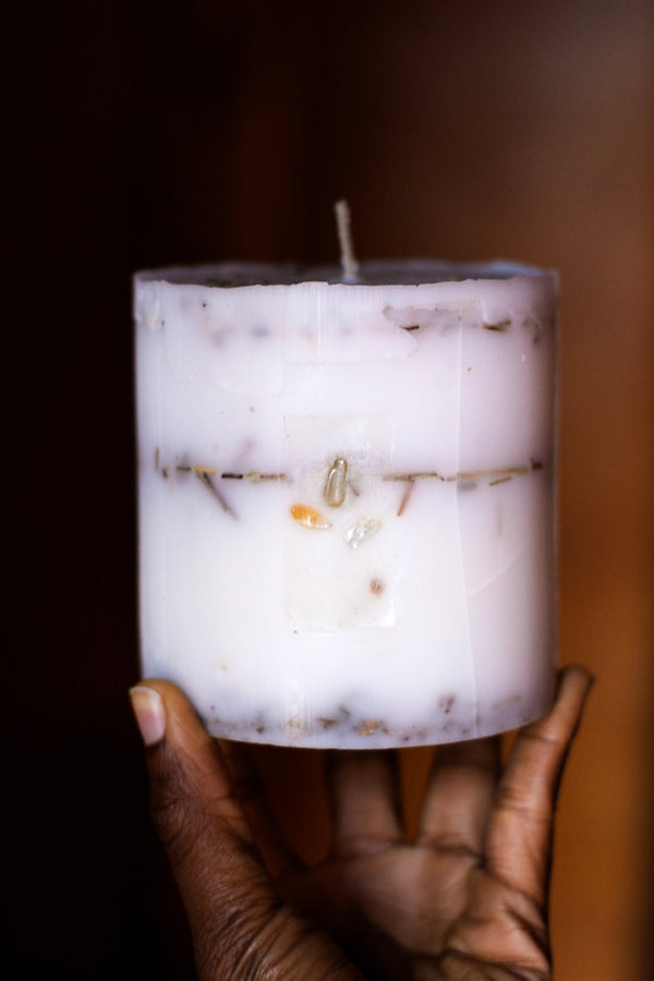'I Am Abundance' Intentional Candle - E V O L V E