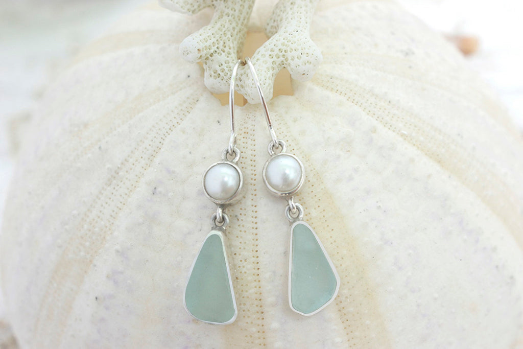 Charming  Sea glass Earring with freshwater white pearl..simple yet elegant.. comes in Cobalt Blue & Aqua sea glass
