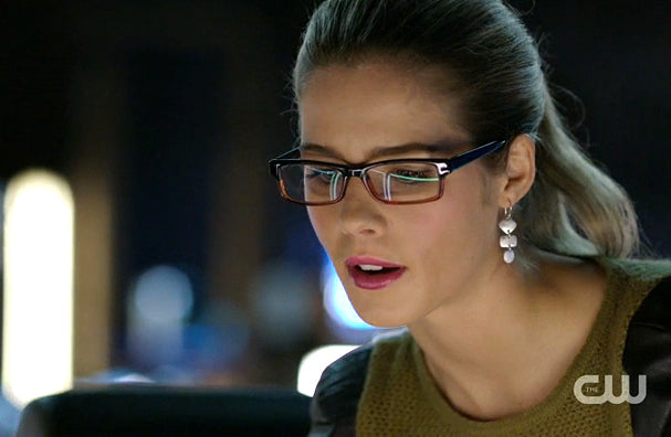 Felicity (Emily Bett Rickards) Arrow wearing Windchime Earrings