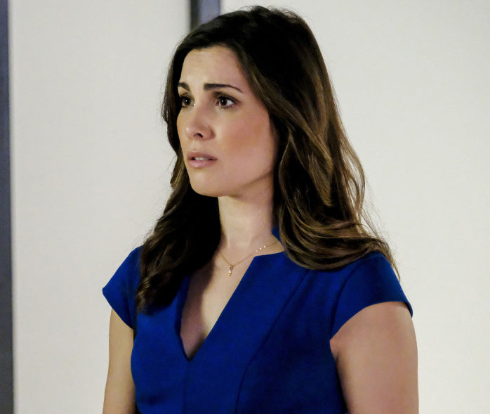 Susan (Carly Pope) on Arrow Diamond Leaf Necklace