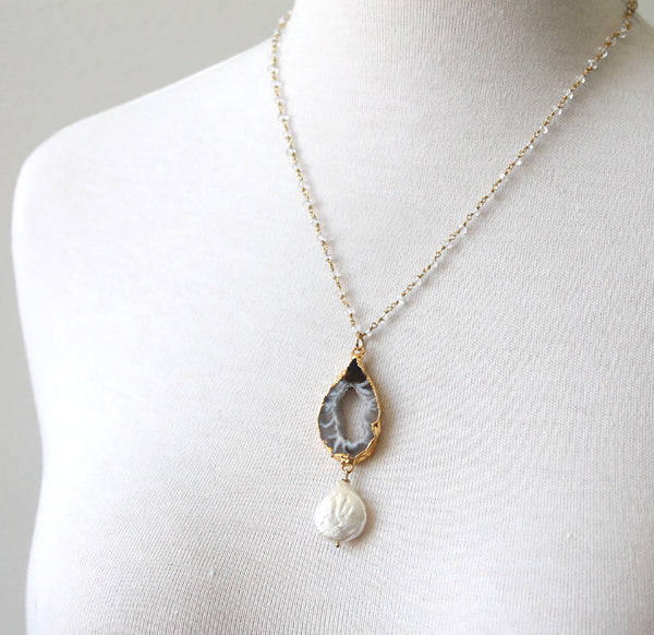Agate slice necklaces with pearl by Peggy Li