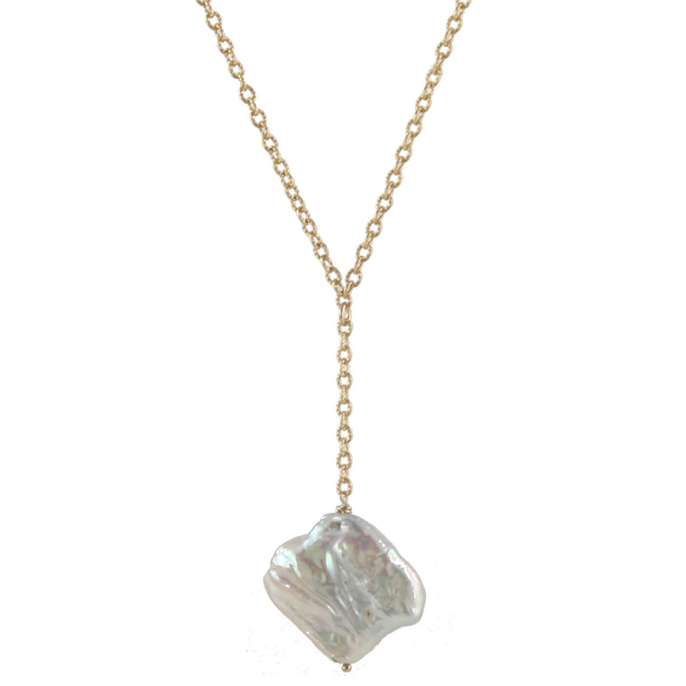Daring Diamond Pearl Necklace