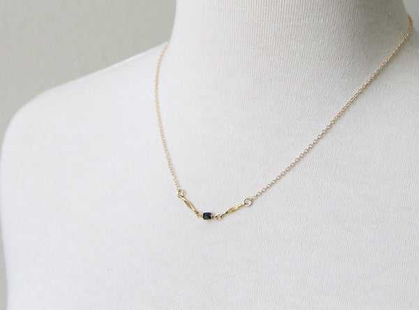 Thea Queen Black Spinel Necklace Arrow