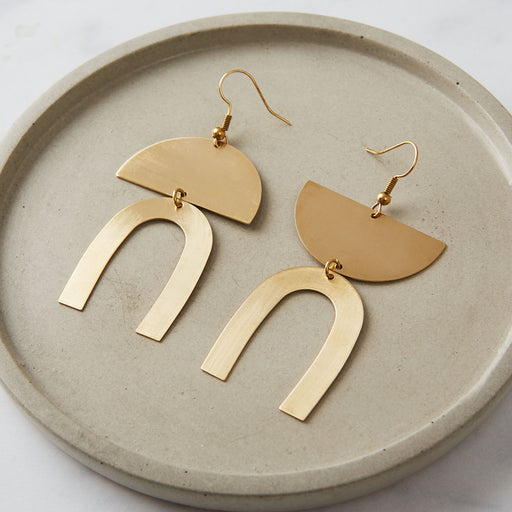 Ahima Jewellery, Mismatched earrings