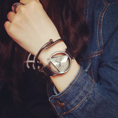 Montre femme Style Triangle