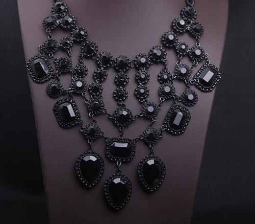 "Collier  ""BlackSwan"""