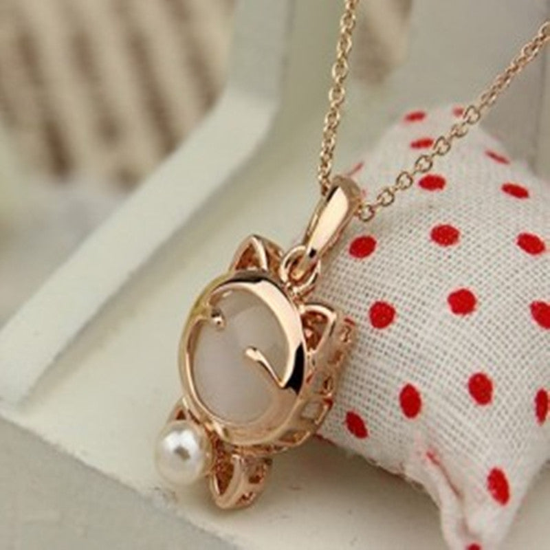 Lucky Cat Necklace Charm - Lovely Charm Jewelery
