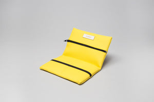 Cartera color amarillo