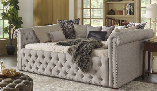 Full Size Tufted Scroll Arm Chesterfield Daybed and Trundle