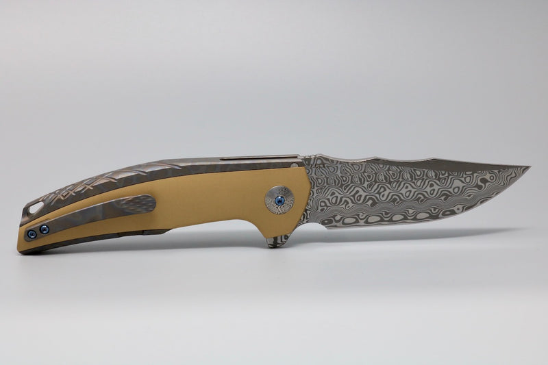 Reate J.A.C.K. Anodized Flame TI Handle Brass Inlay Acid Washed Damasteel Blade