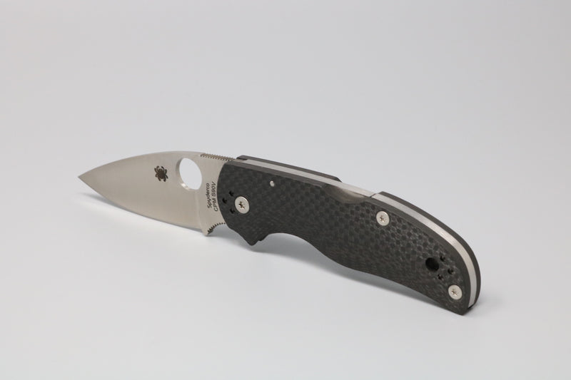 Spyderco NATIVE 5 FLUTED CARBON FIBER S90V