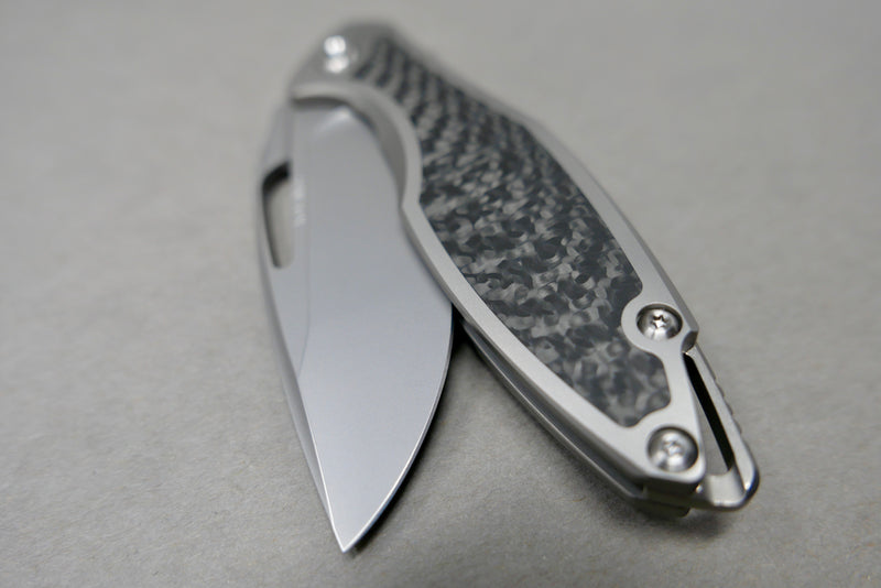 Arius Carbon Weave Inlay Burnished