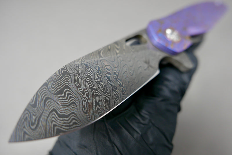 Keanison Stray #51 Paisley Flipper Stray Nichols Damascus Blade Black Timascus Show side & Clip