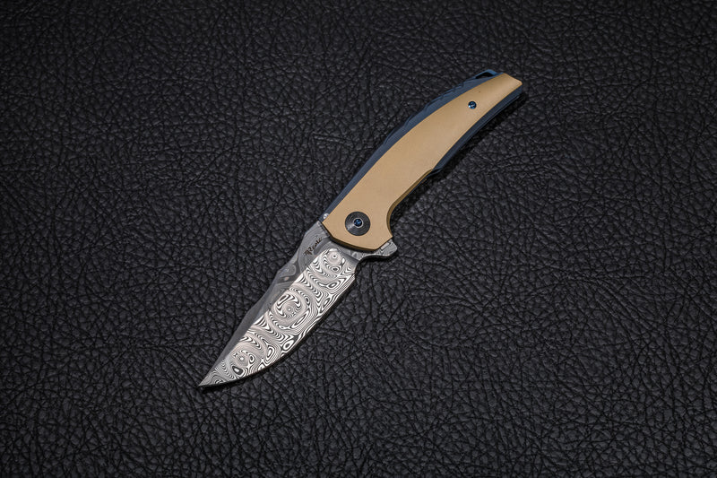 Reate J.A.C.K. Anodized Blue TI Handle Brass Inlay Acid Washed Damasteel Blade
