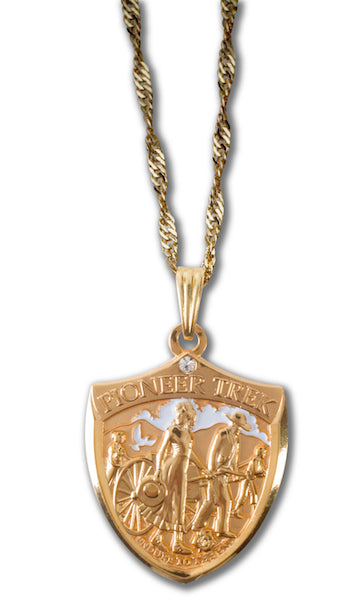 Womens Pioneer Trek Pendant in Gold