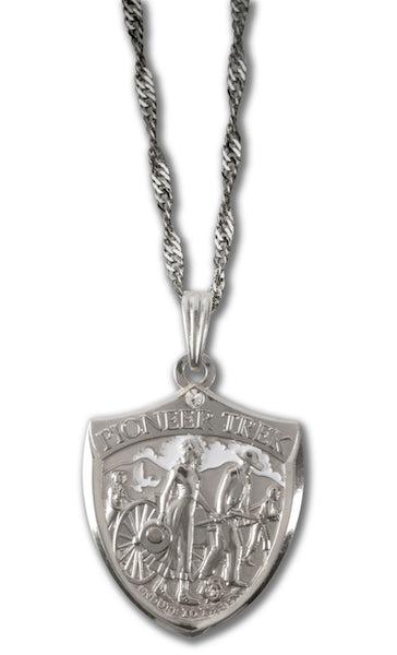 Pioneer Trek womans silver necklace