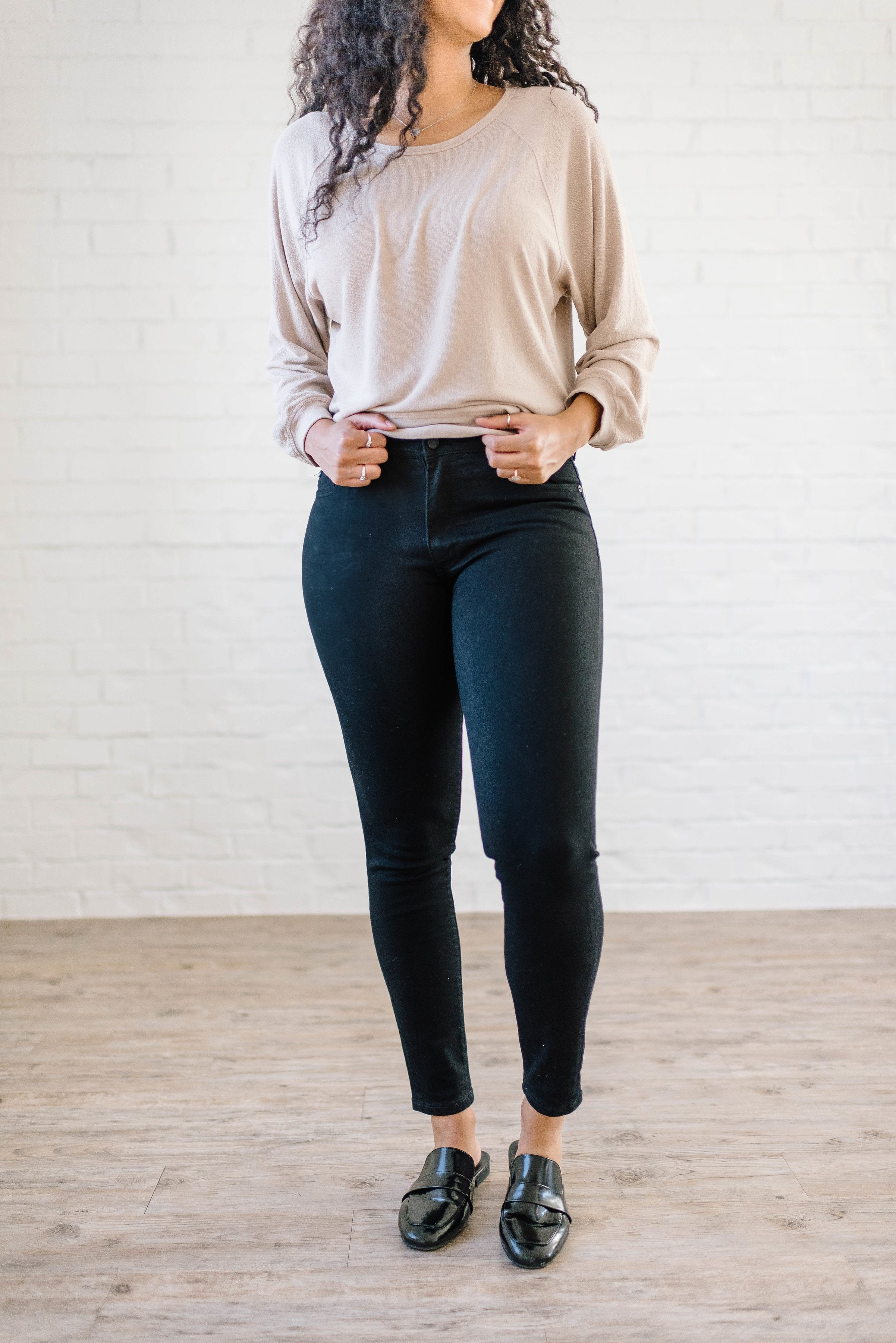 High Rise Skinny Jeans in Black