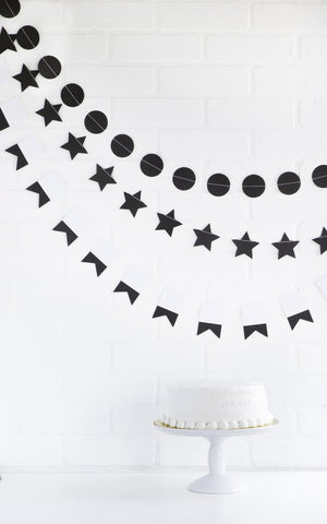 Black 3-String Garland