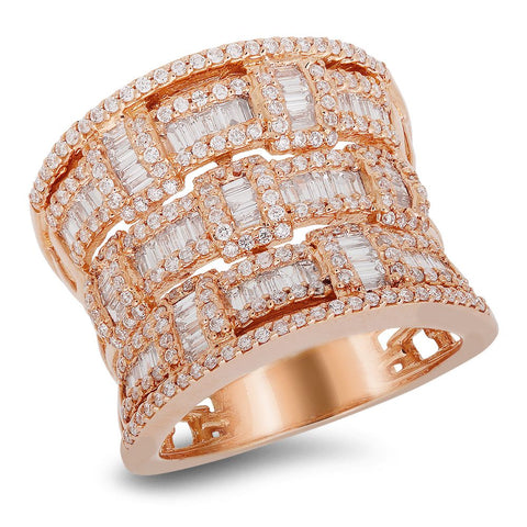 18K rose gold ring with 0.69 CT diamonds and 0.81 CT baguette diamonds